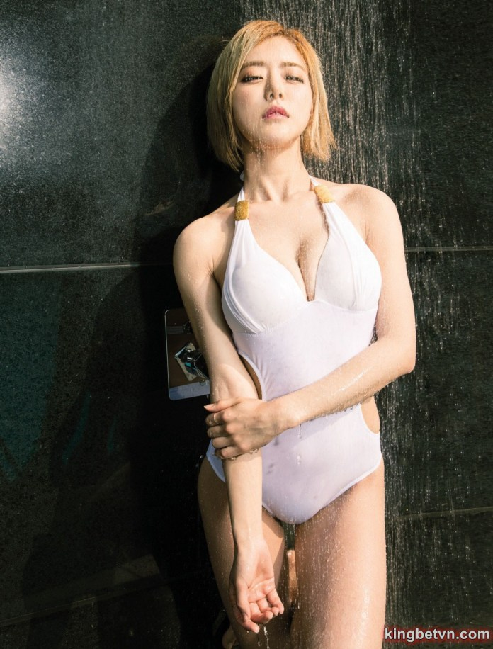 dj soda mặc bikini sexy