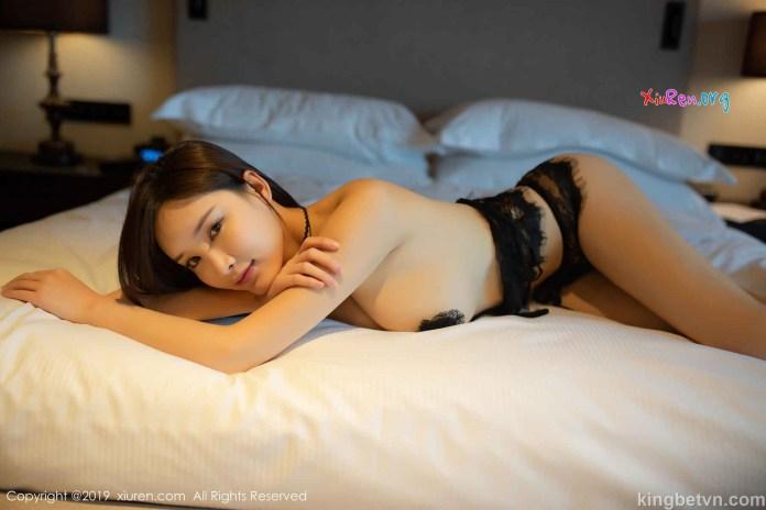 ảnh khỏa thân của em gái trung quốc khoe ngực trần lồ lộ nhũ hoa