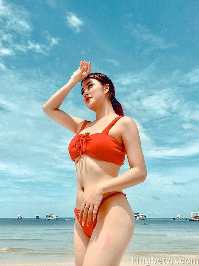 Nhan sắc quyến rũ của hot girl cổ động viên SEA Games 2019