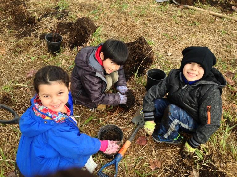 children planting super