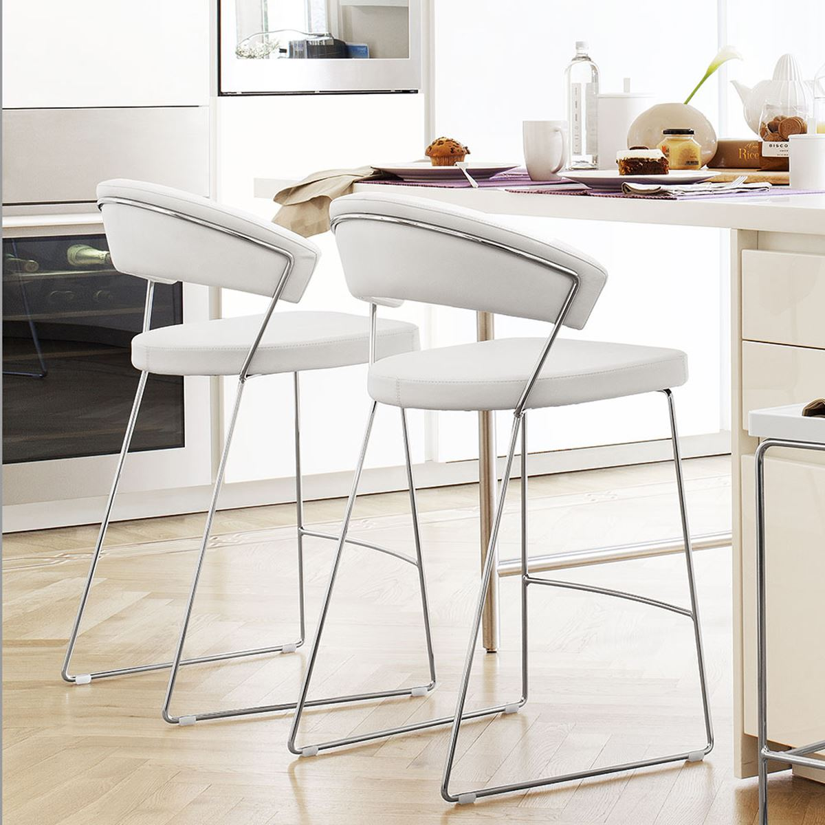 Italian bar stools elegant bar stools industrial counter eclectic design classic dining with - Classic bar counter design ...