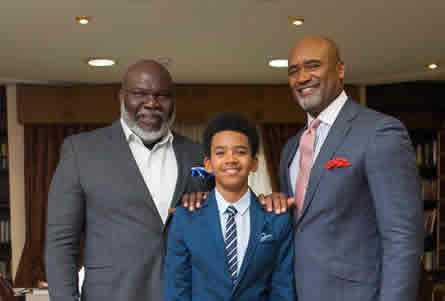American Mega Pastor, TD Jakes, Traces Igbo Roots, Visits Nigeria