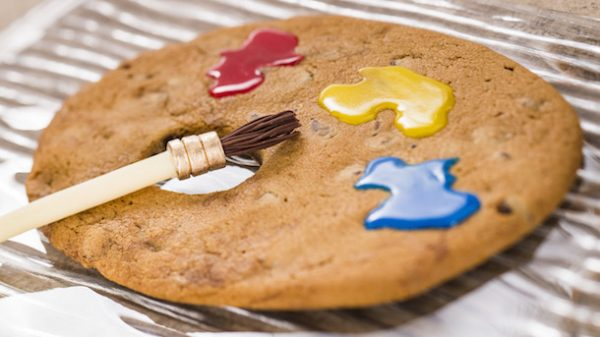 The Artist's Table: Artist Palette Cookie