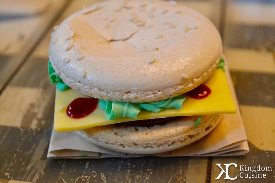 D-Luxe Burger Macaron
