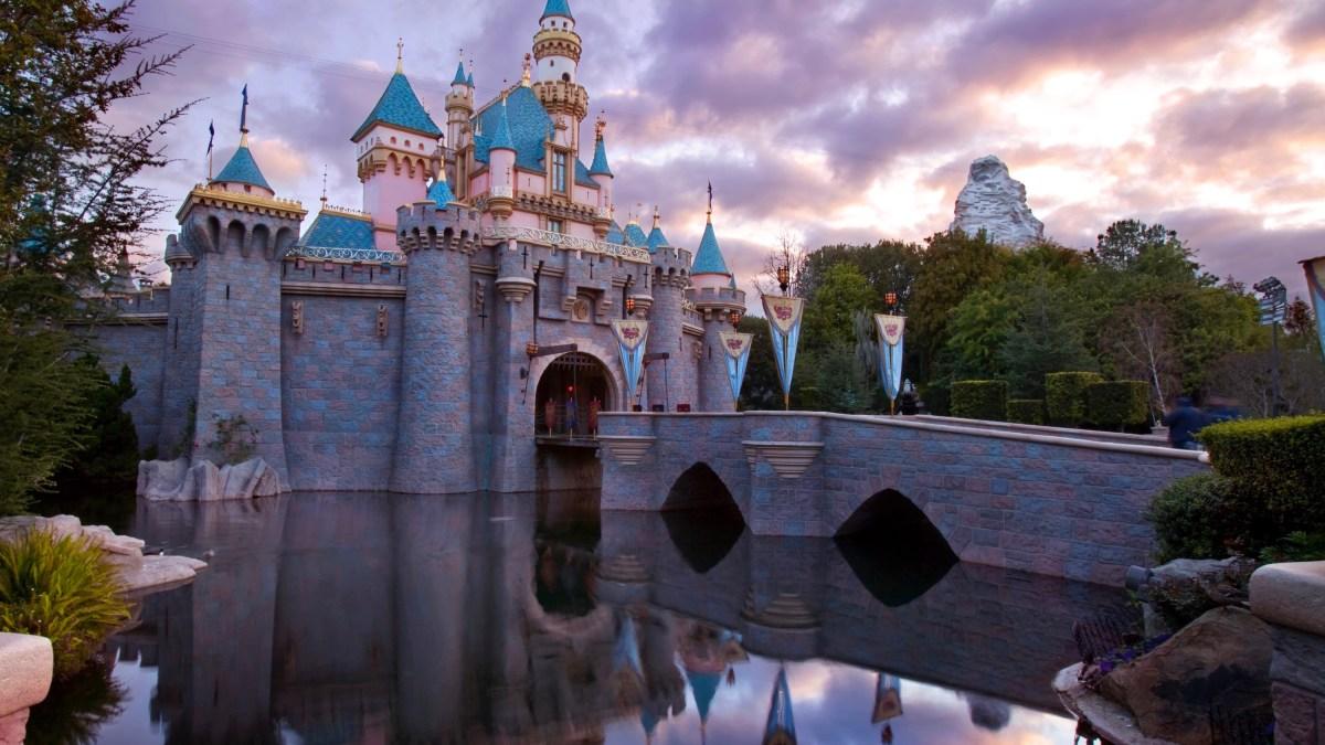 Disneyland Mobile Order Update