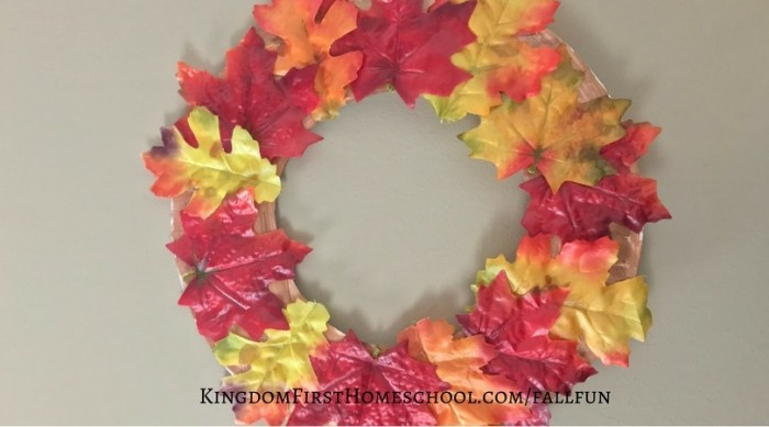 Paper Plate Autumn Wreath Kid's Craft
