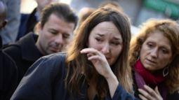 paris woman cried