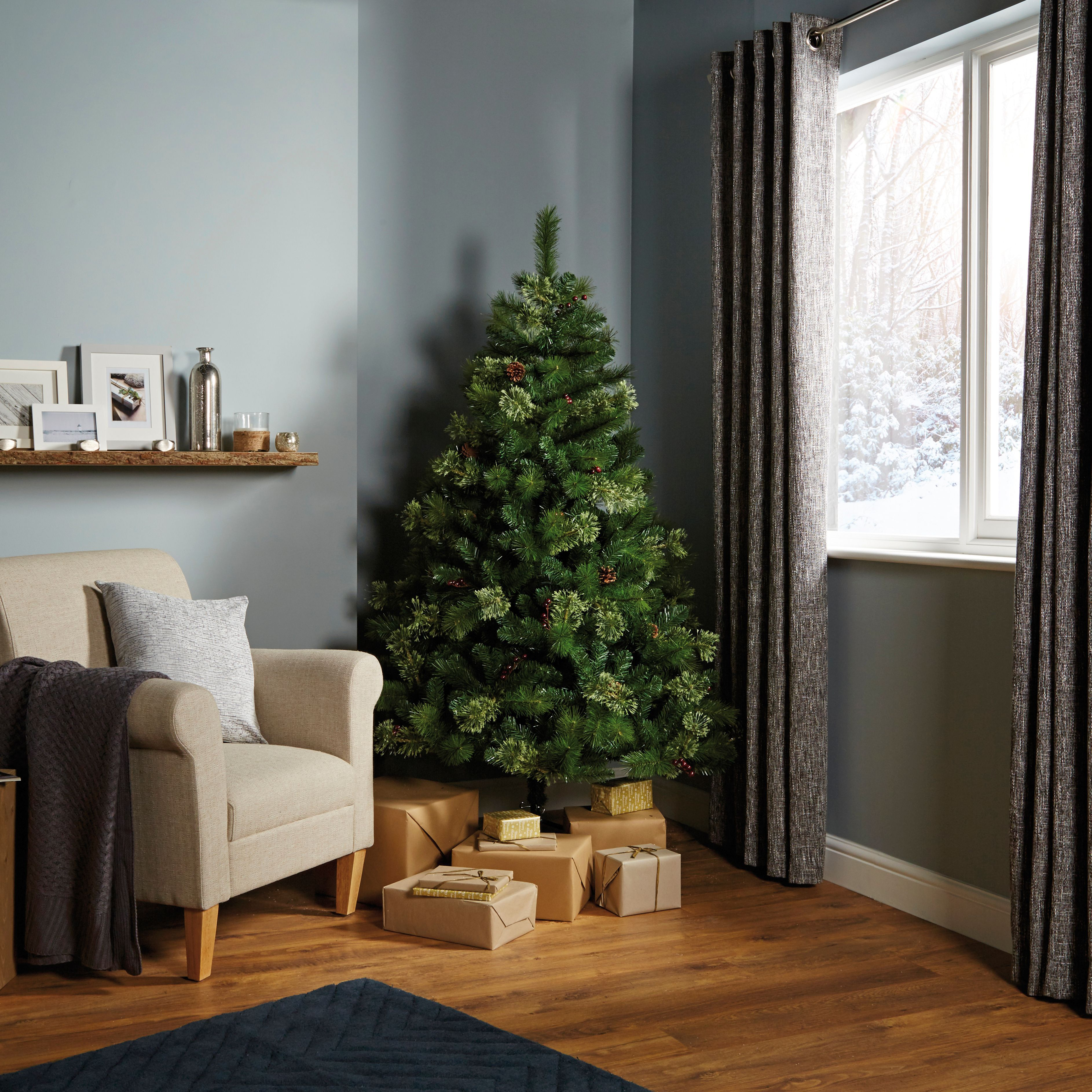 6 Ft Kaluga Pre Decorated Christmas Tree Departments