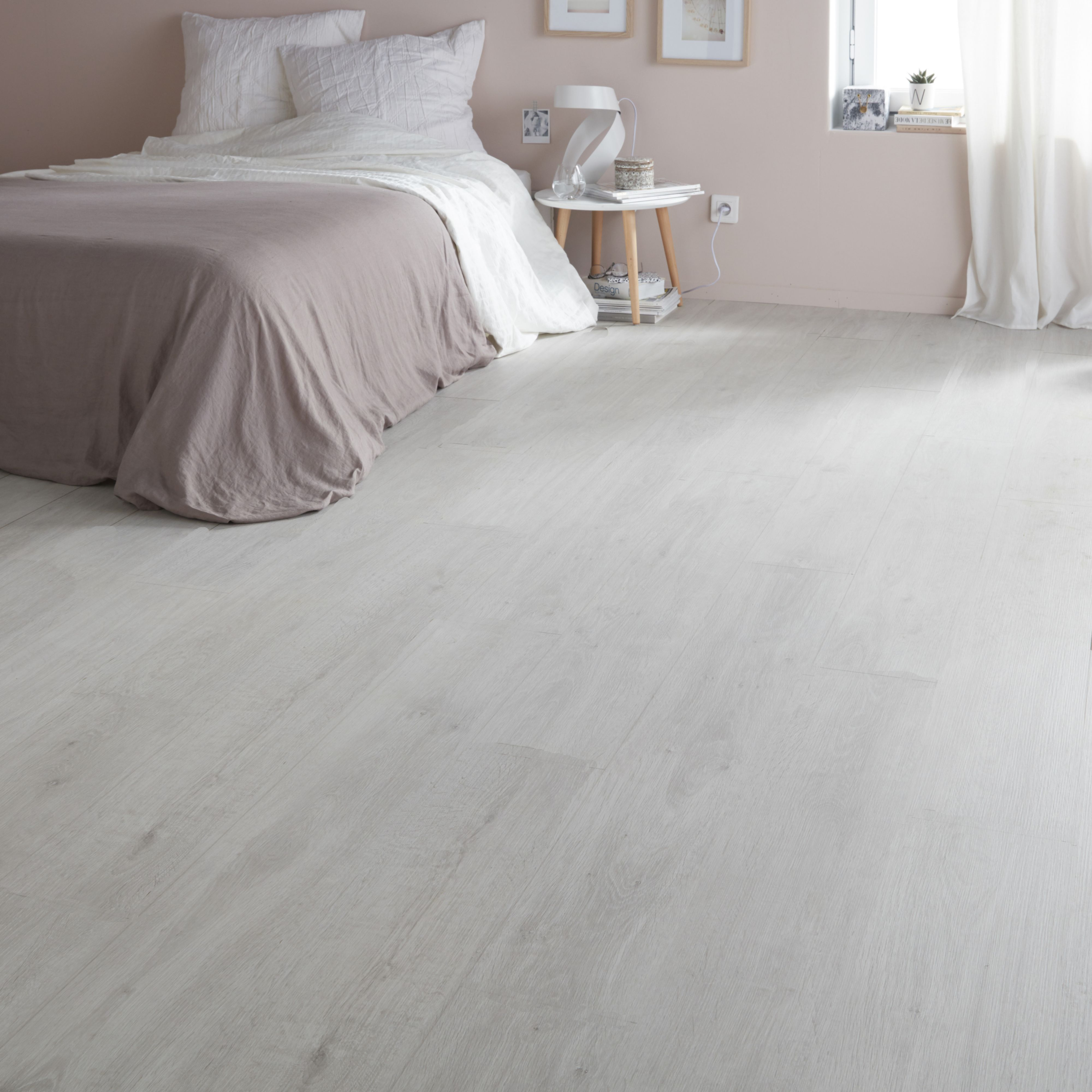 Geelong Grey Oak effect Laminate flooring 2467 m Pack  Departments  DIY at BQ