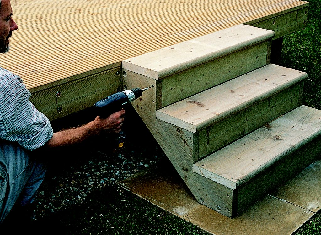 How To Add Steps Amp Railing To Decking Ideas Amp Advice Diy At B Amp Q
