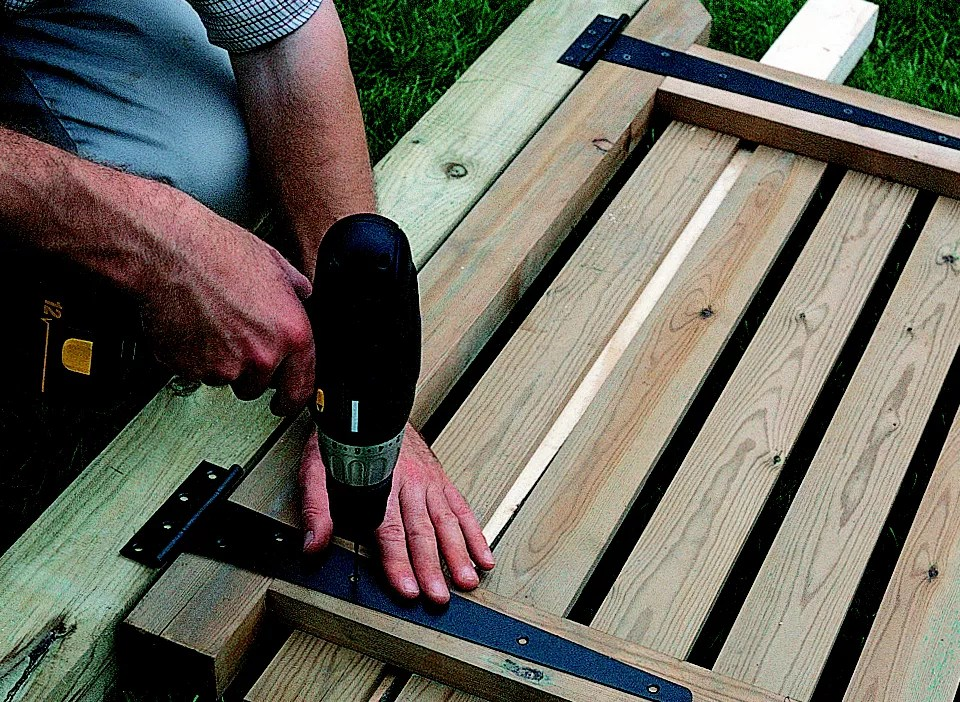How To Install A Gate Ideas Amp Advice Diy At B Amp Q