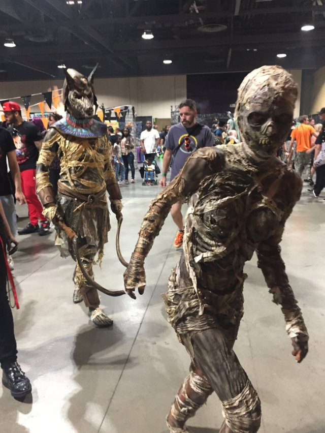 Two mummies at 2018 Midsummer Scream Convention
