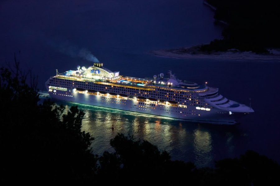Picture of a cruise ship