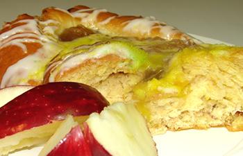 Apple King Cake