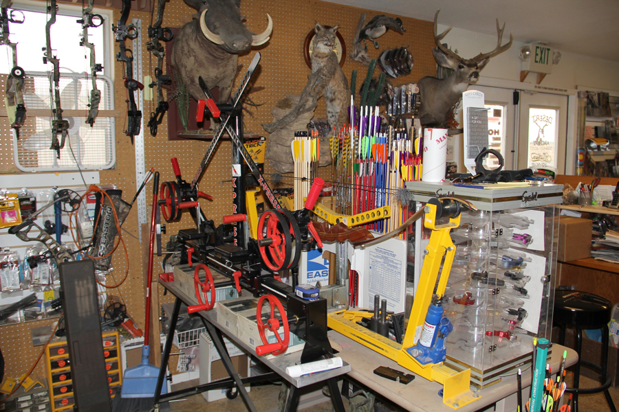 Desert-Archery-Store-Hunting-Bows-Supplies-Tuning