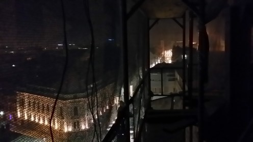 night-scaffold-photo