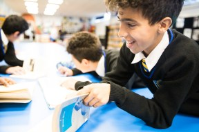 year7_library_19102016-9544
