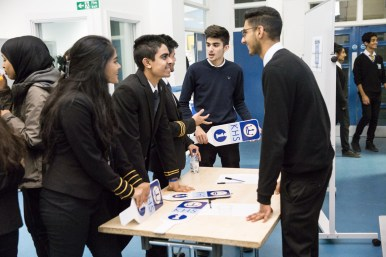 oxford_union_debating_competition_w-23