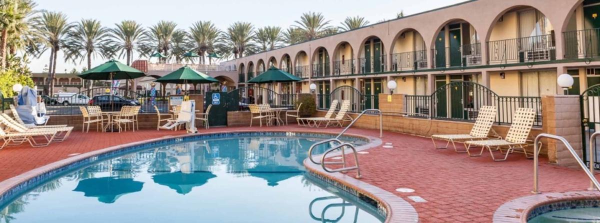 Kings Inn Anaheim Hotel Near Disneyland Resort