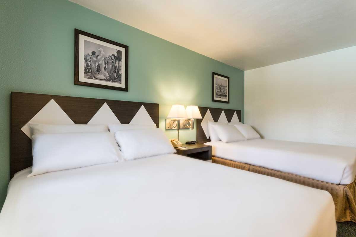 1 best value hotel rooms and suites kings inn san diego - San diego 2 bedroom suite hotels ...