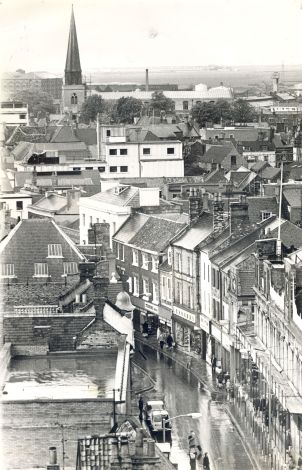 High St Nos 17 & 17a etc (Trues Yd)