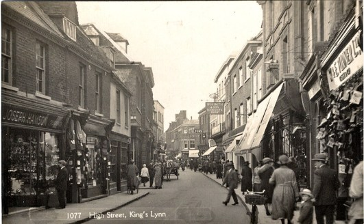 1930s High St W & E Turner (far right)