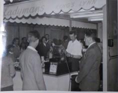 1958 KL Trdaes Exhib L Childerhouse (centre) B Tyrell (rt) Ladymans Archive (Ashley Bunkall) 0386