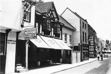 1960 High St Queens Head (left)