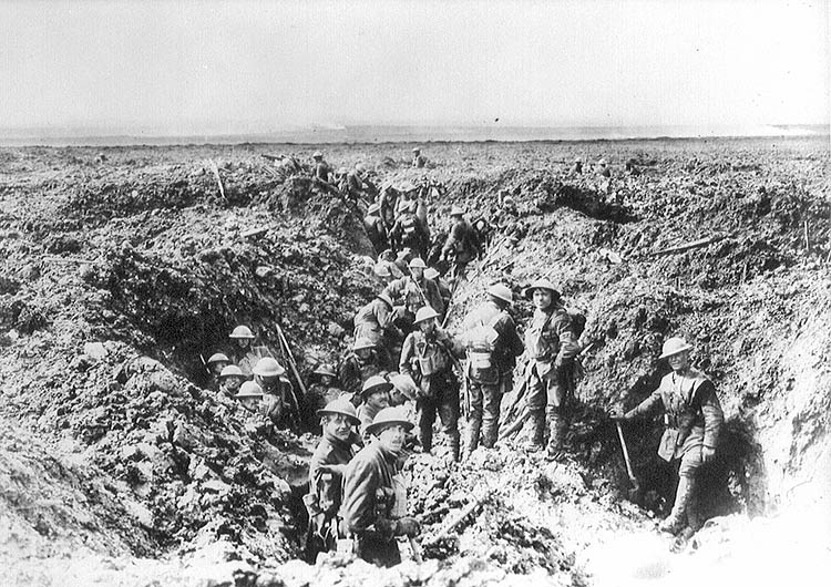 Canadians consolidating their positions on Vimy Ridge. (Library and Archives Canada)