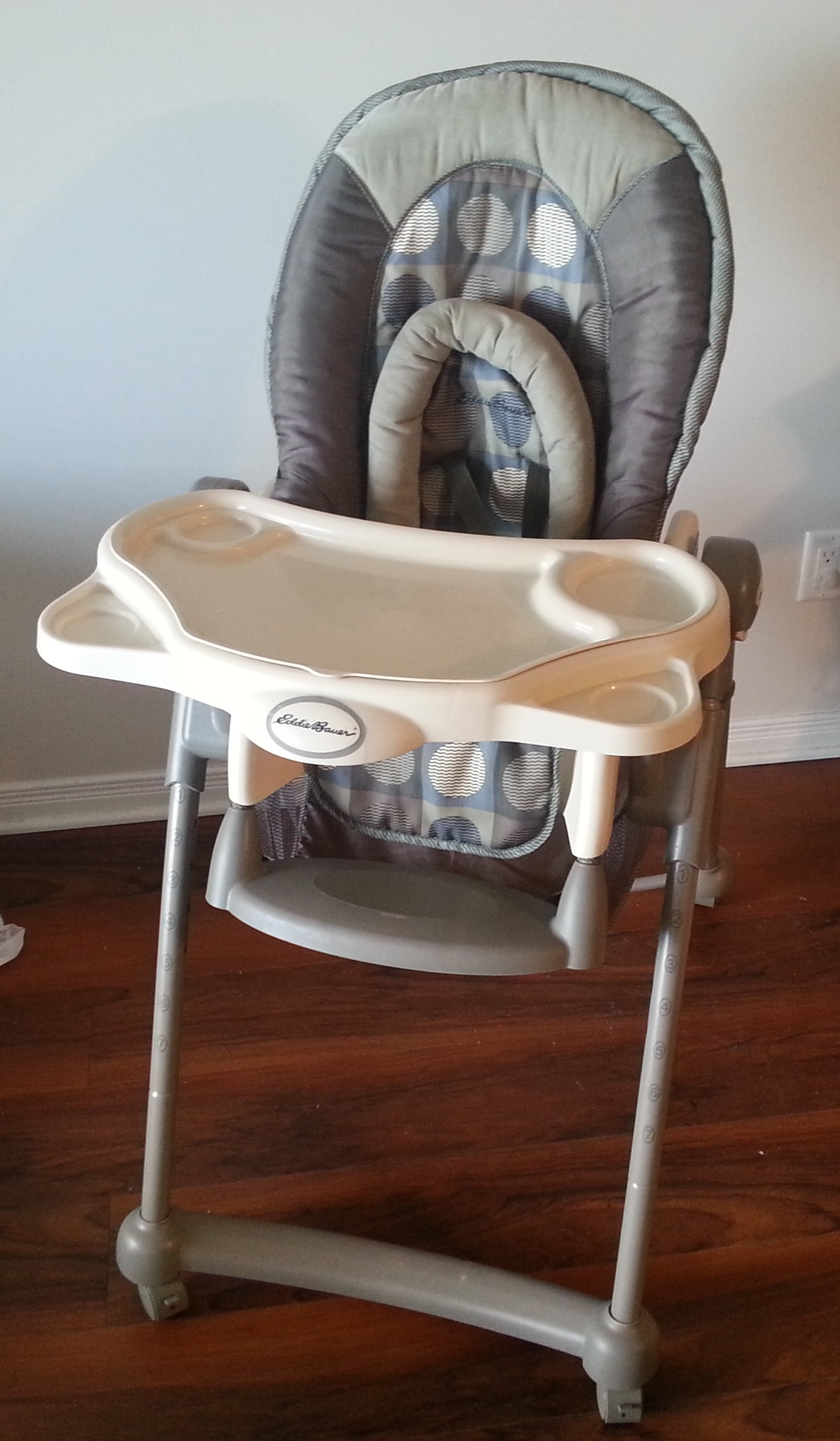 Eddie Bauer Deluxe High Chair  KingstonGreatSale