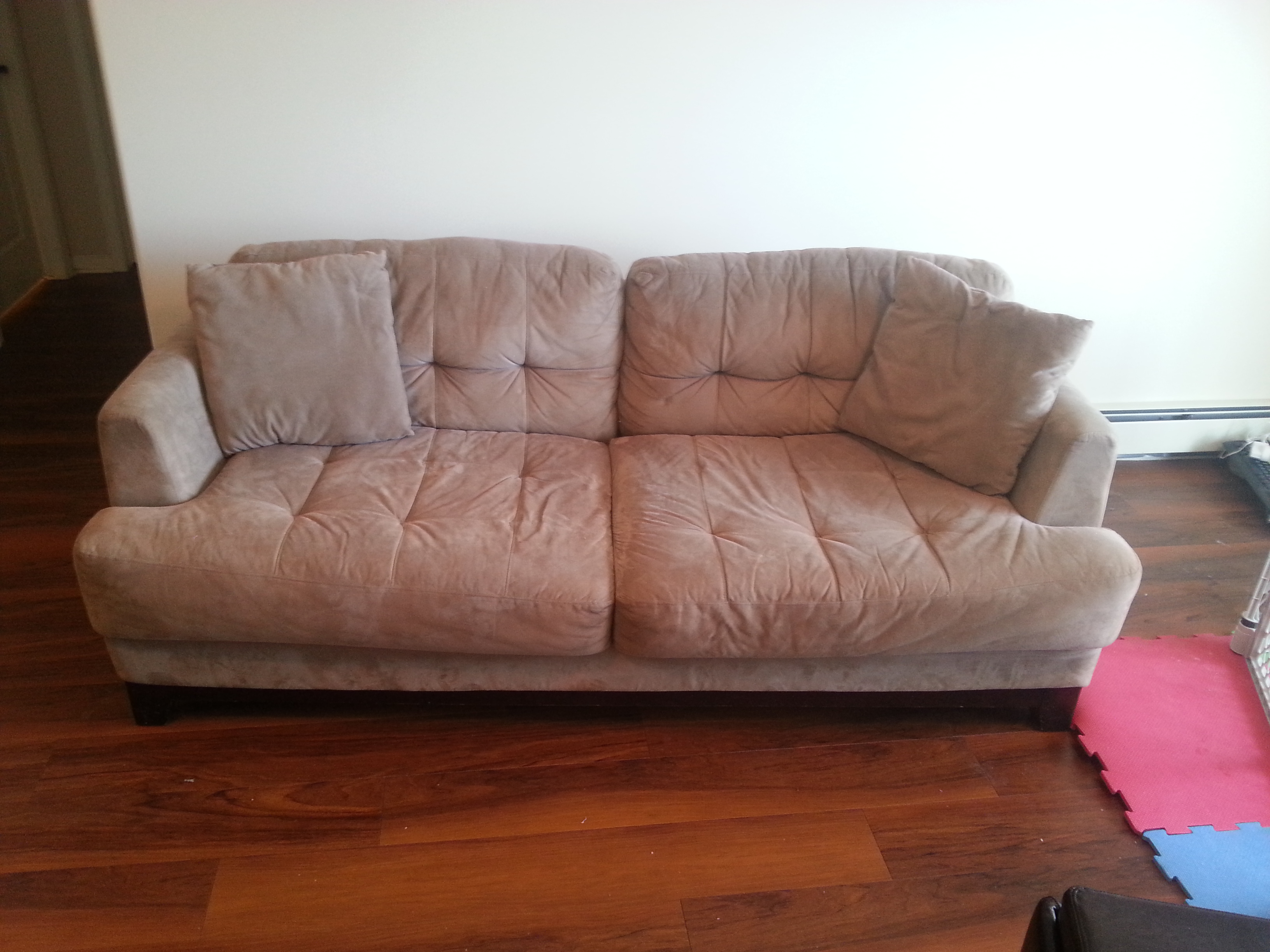 leon s sofas danish sofa bed vintage couch 43 2 cushions from leons furniture 43free ikea