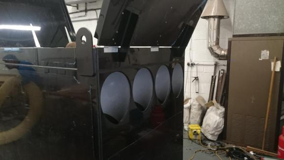 Large scale tank