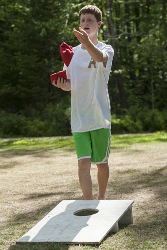 cornhole leisure game