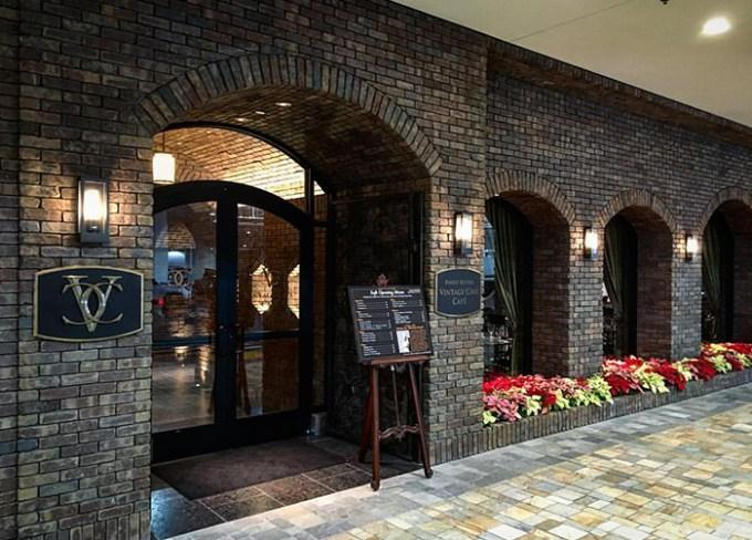 12月24日グランドオープン!アラモアナ・センターの「ヴィンテージ・ケーブ・カフェ」をチェック