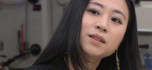 ワイドナショーゲスト三浦瑠麗さんの衣装!太ももや胸元がエグい件