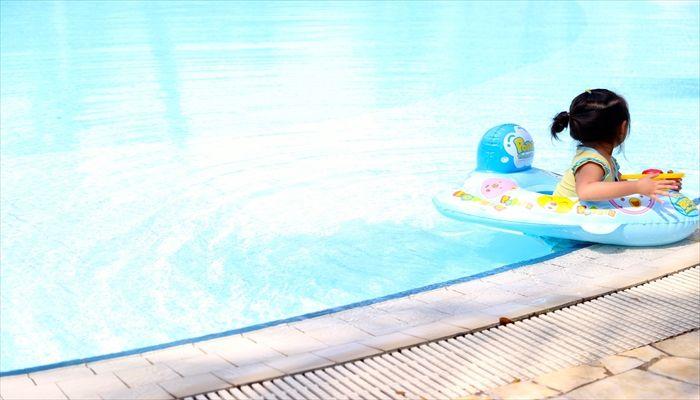 赤ちゃん プール いつから 施設の幼児プール