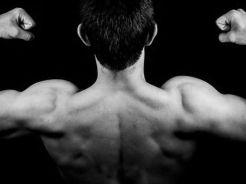 自宅で鍛えよう!肩の筋肉トレーニングメニュー!