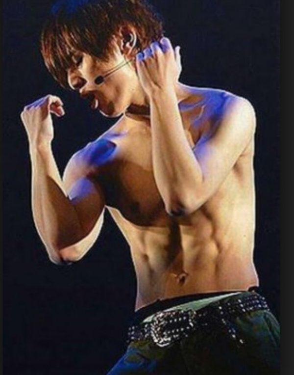 山田涼介の筋肉を画像で追求!美しい腹筋の鍛え方と食事法紹介!