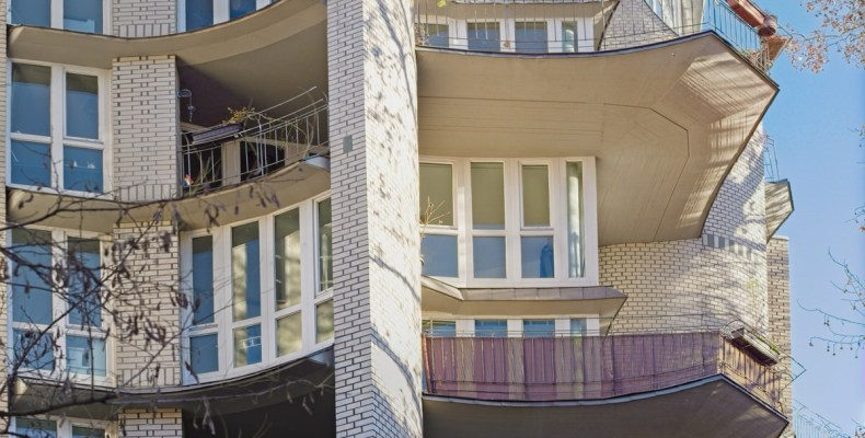 Motifs impérieux - Imperative reasons in(-)sanity balcony