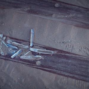 Stranded. Ensablé. Couteau bateau.