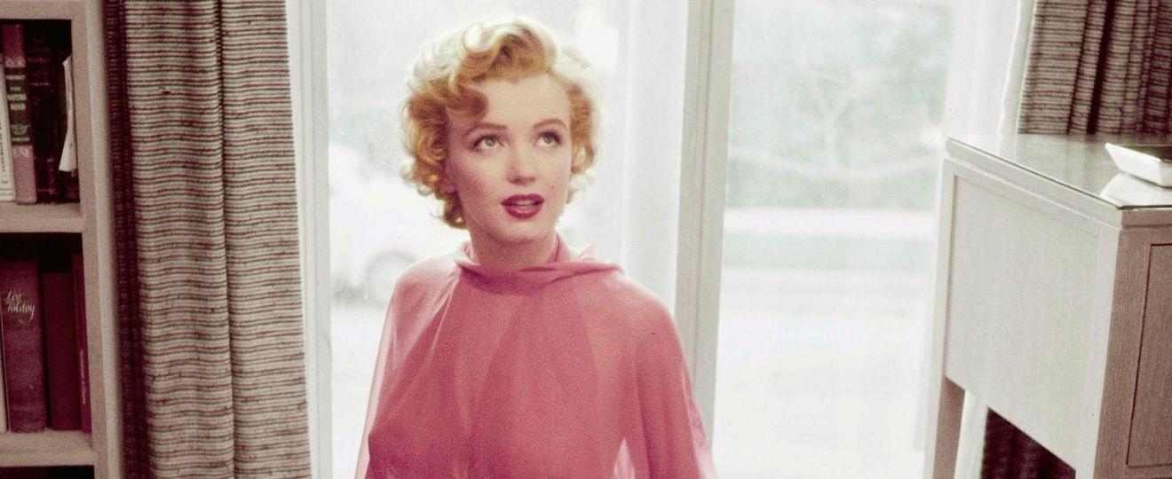 Marilyn Monroe - zdjęcie wykonane przez fotografa Philippe Halsman. pierwsza głupia blondynka Hollywood