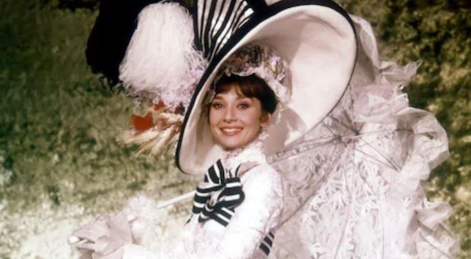 Najdroższe rekwizyty filmowe - Audrey Hepburn wsłynnej sukience zfilmu My Fairy Lady