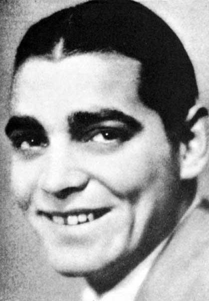 Clark Gable zkrzywymi zębami