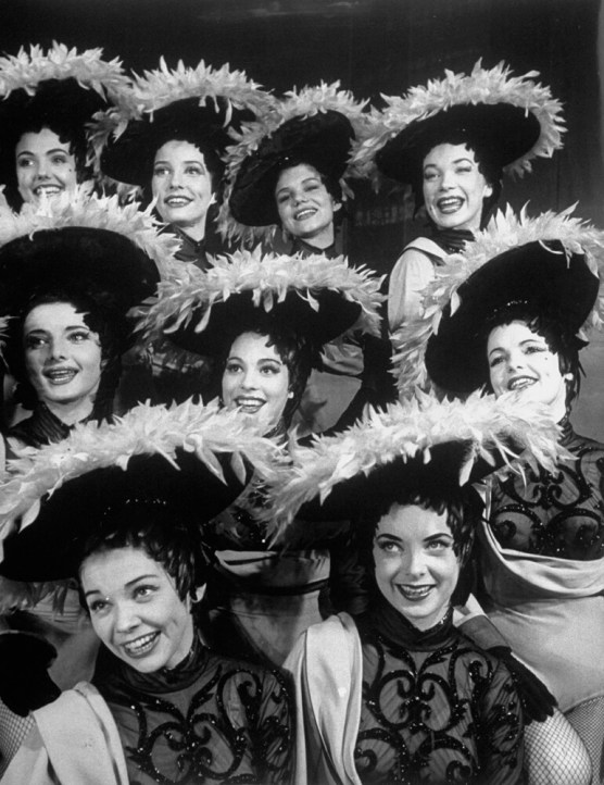 Chorus girls naBroadwayu - shirley maclaine