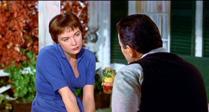 Shirley MacLaine wswoim pierwszym filmie - Kłopot zHarrym Hitchcocka