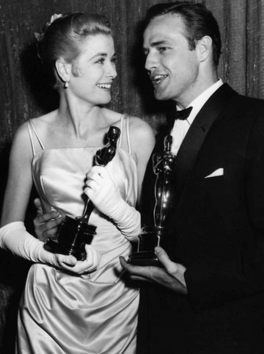 Grace Kelly iMarlon Brando zOscarami