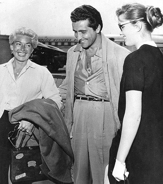 Lana Turner, Johnny Stompanato iCheryl Crane nalotnisku wLA