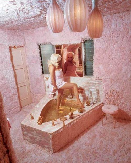 Wnętrze Pink Palace Jayne Mansfield