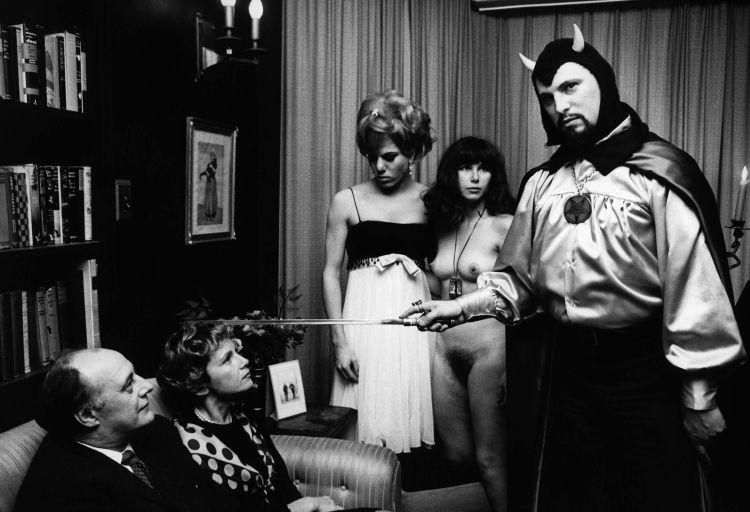 Anton LaVey podczas satanistycznego ślubu