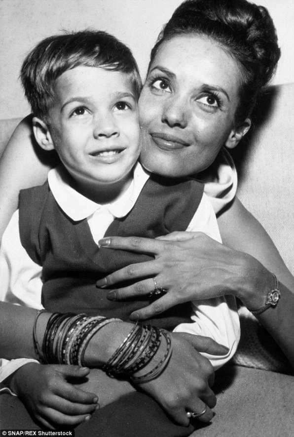Anna Kashfi iChristian Brando, lata 60